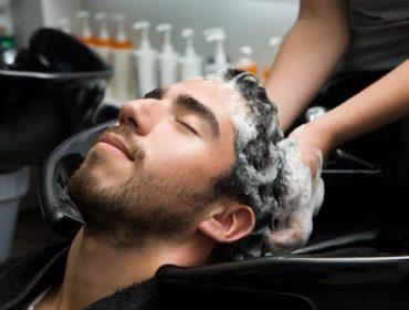 Мужское мытье головы в Лобне